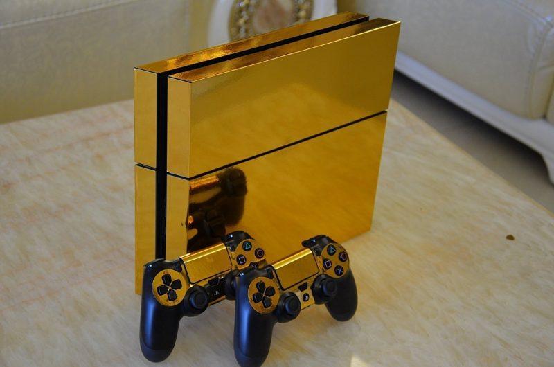Consola Ps4 dorada