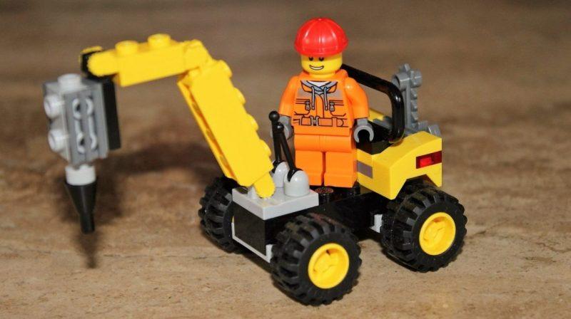 Juguete hecho con piezas de Lego