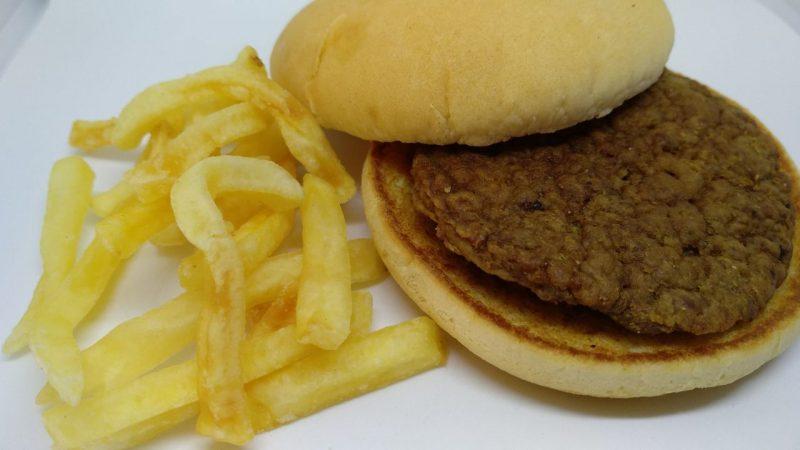 Hamburguesa McDonalds con patatas